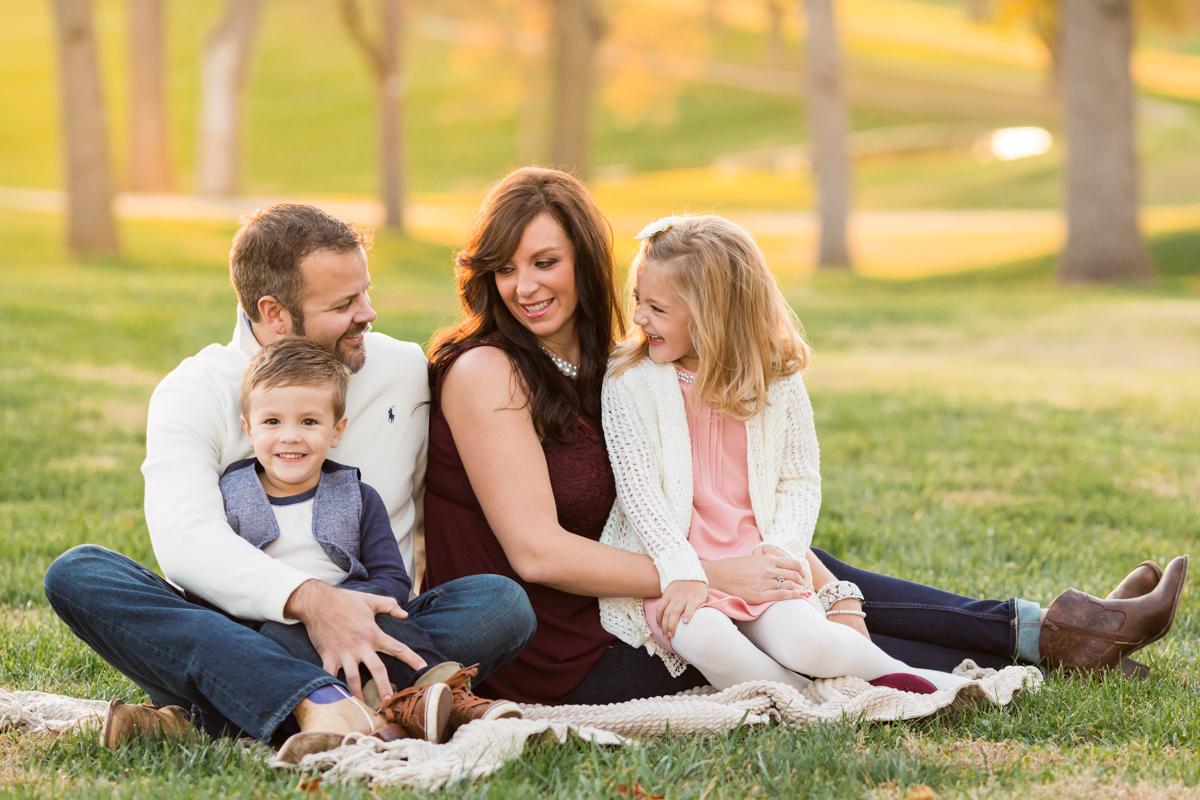 family portraits posing guide rh cc colesclassroom com family portrait pricing guide family portrait posing guide